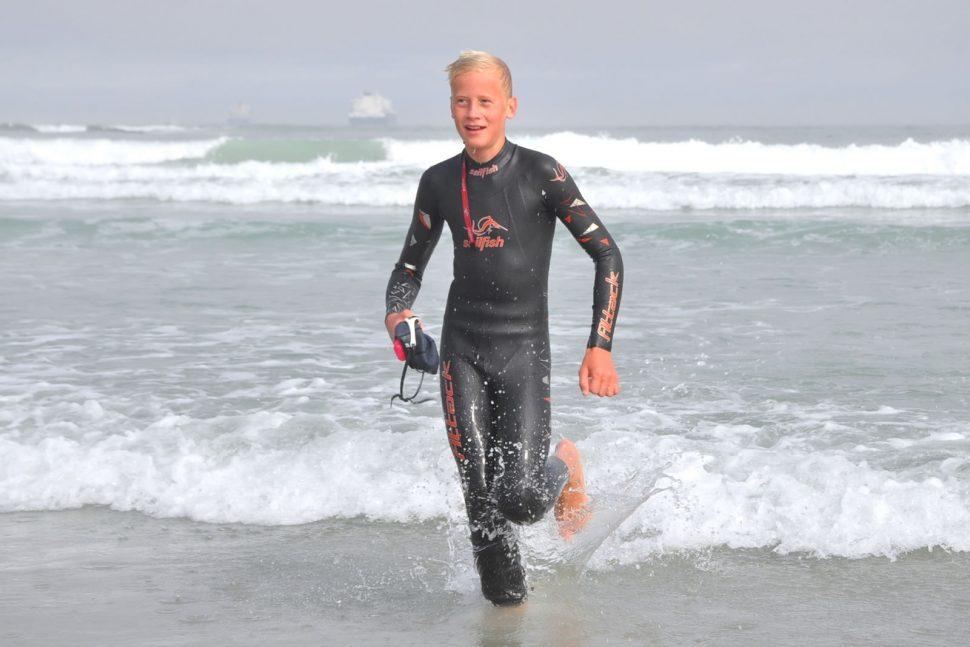 Lukas Ochsenbein completes his Freedom Swim 6